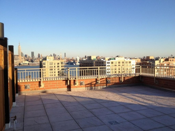 Private roof deck - 1450 Washington